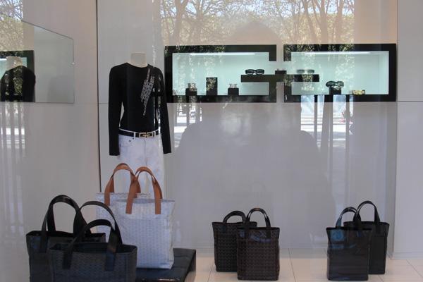 15-Gabrielle_Geppert_boutique_noire_interieur
