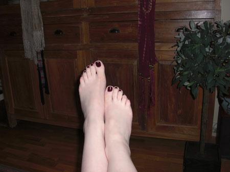 04-pinoustis_pieds_nus