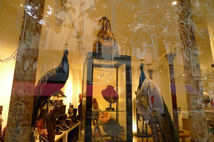 04-58M_boutique_vitrine