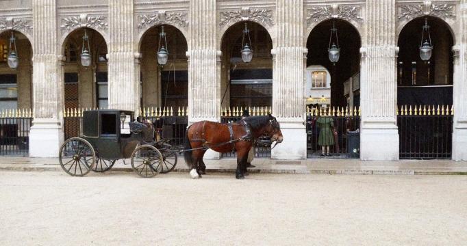 01-fiacre_palais_royal_jardin