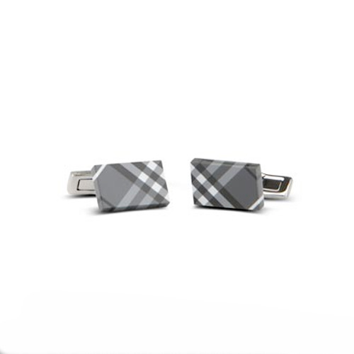 03_Burberry_boutons_manchettes_check