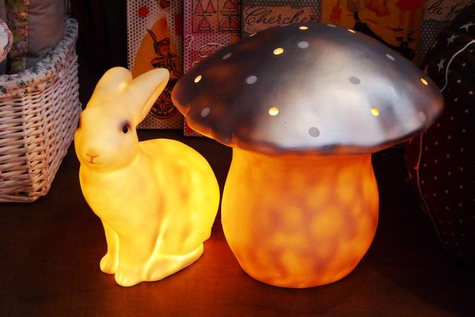Pois-Plume-lampes-lapin-champignon-gros