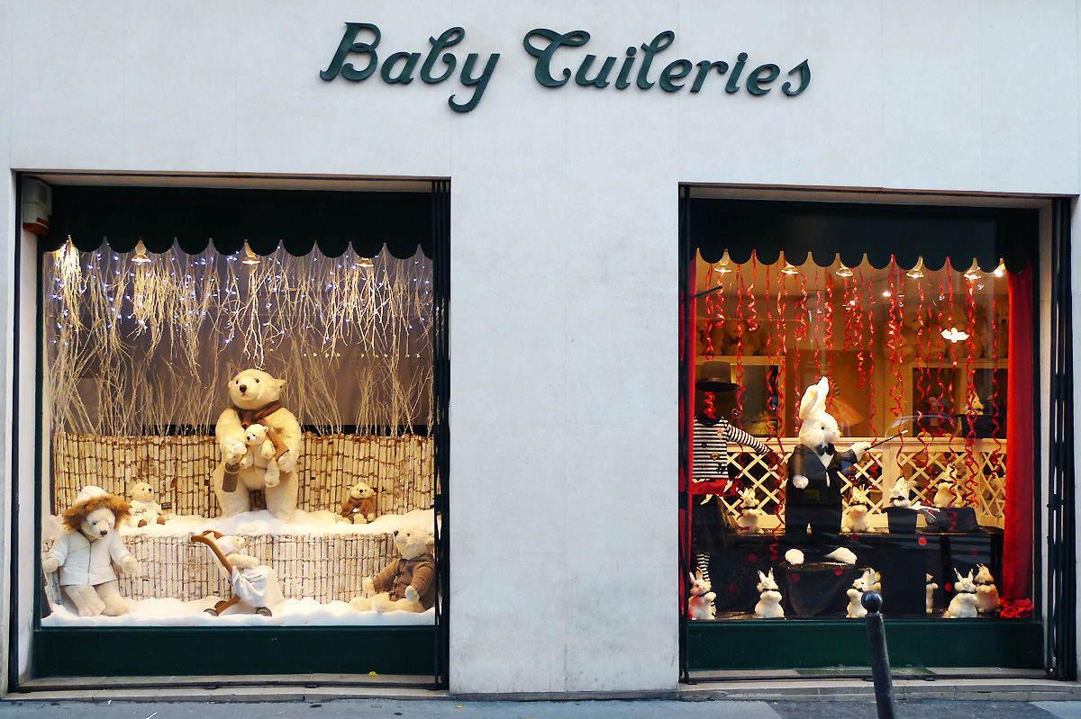 vitrines de no l baby tuileries chic geek. Black Bedroom Furniture Sets. Home Design Ideas