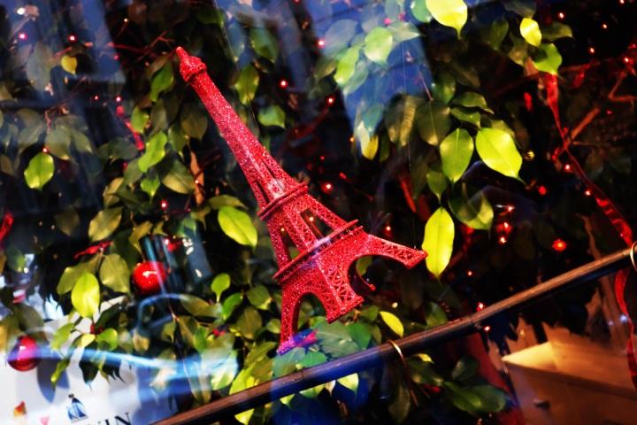 Baby-Tuileries-Vitrine-Lanvin-Petite-Rouge-8
