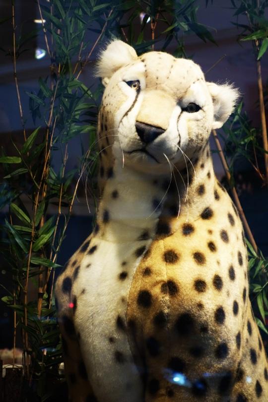 Baby-Tuileries-Vitrine-Noel-2012-Leopards-4