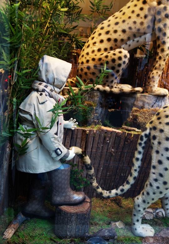 Baby-Tuileries-Vitrine-Noel-2012-Leopards-5