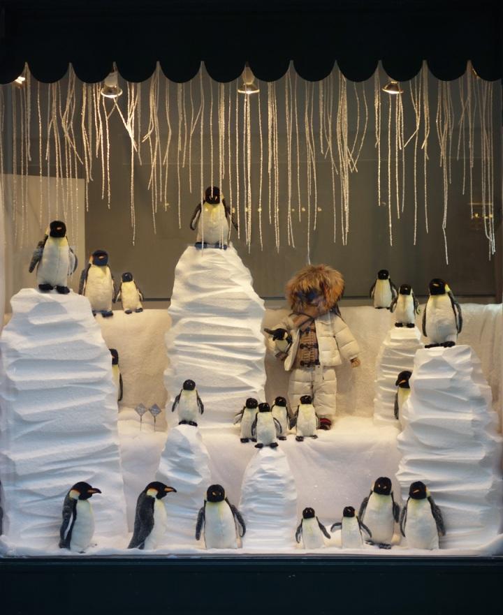 Baby-Tuileries-Vitrine-Noel-2012-Pingouins-1