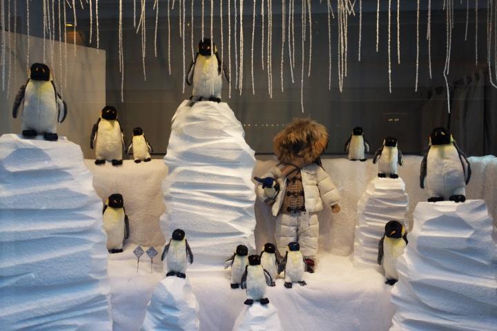 Baby-Tuileries-Vitrine-Noel-2012-Pingouins-2