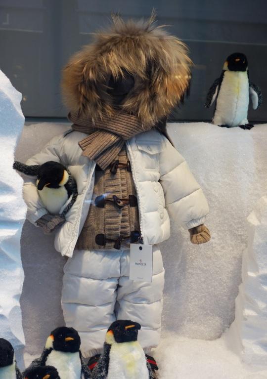 Baby-Tuileries-Vitrine-Noel-2012-Pingouins-3