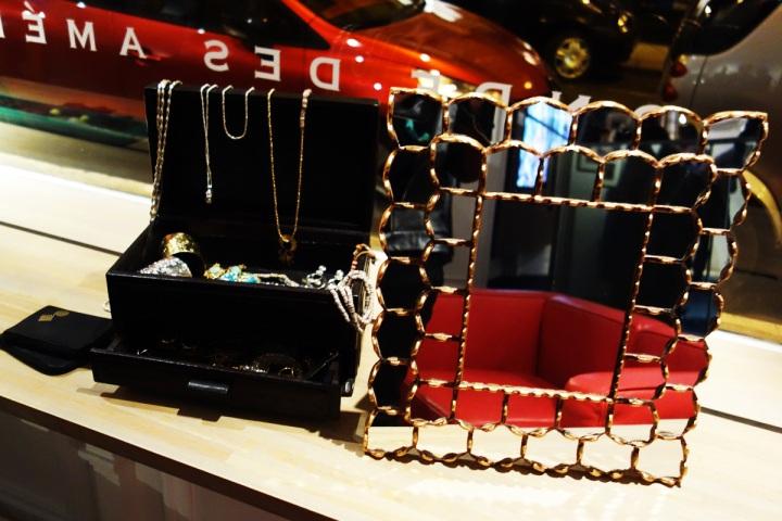 24-01-2013-Motche-vernissage-bijoux-1