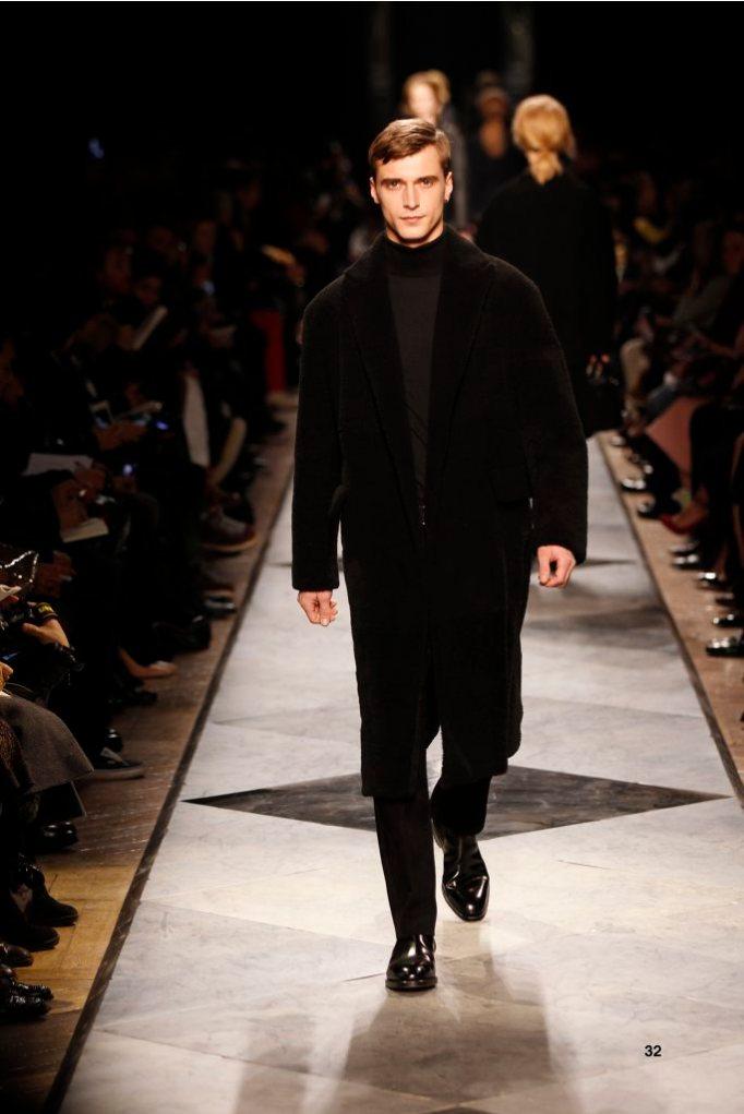 32-LOEWE-AH-2013-Black Shearling Coat_ Black Cashmere High-neck Jumper_ Black Napa Trousers_ Black Calf Belt_ Black Leather Chelsea Boot