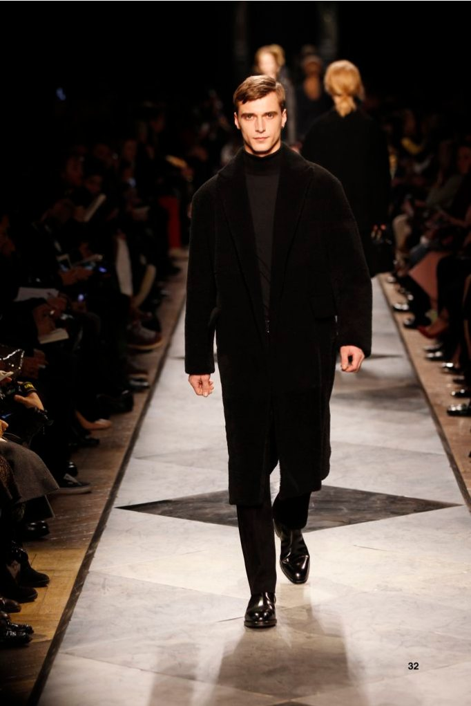 32-LOEWE-AH-2013-Black Shearling Coat_ Black Cashmere High-neck Jumper_ Black Napa Trousers_ Black Calf Belt_ Black Leather Chelsea Boot