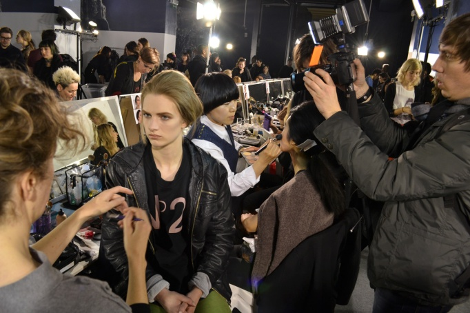 LOEWE-AH-2013-BACKSTAGES-Pierre-Christophe-Gam-ChicandGeek-0113