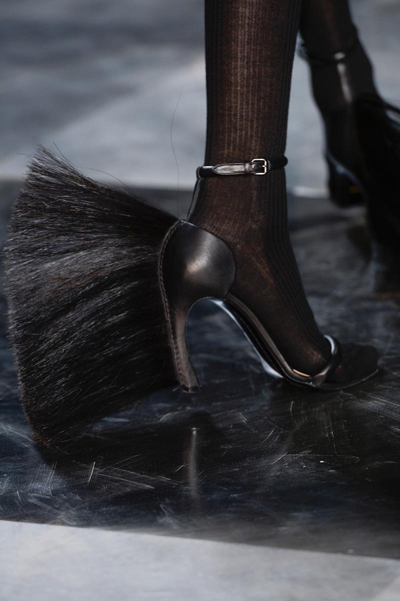 loewe-rtw-fw2013-details-shoes-1