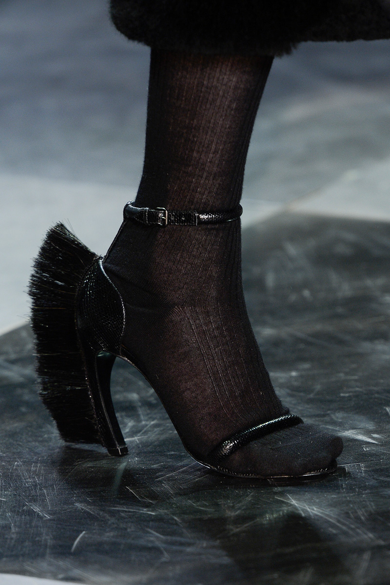 loewe-rtw-fw2013-details-shoes