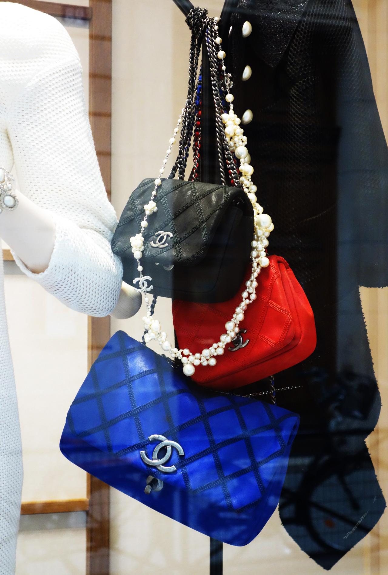 Chanel-vitrine-rue-Cambon-12