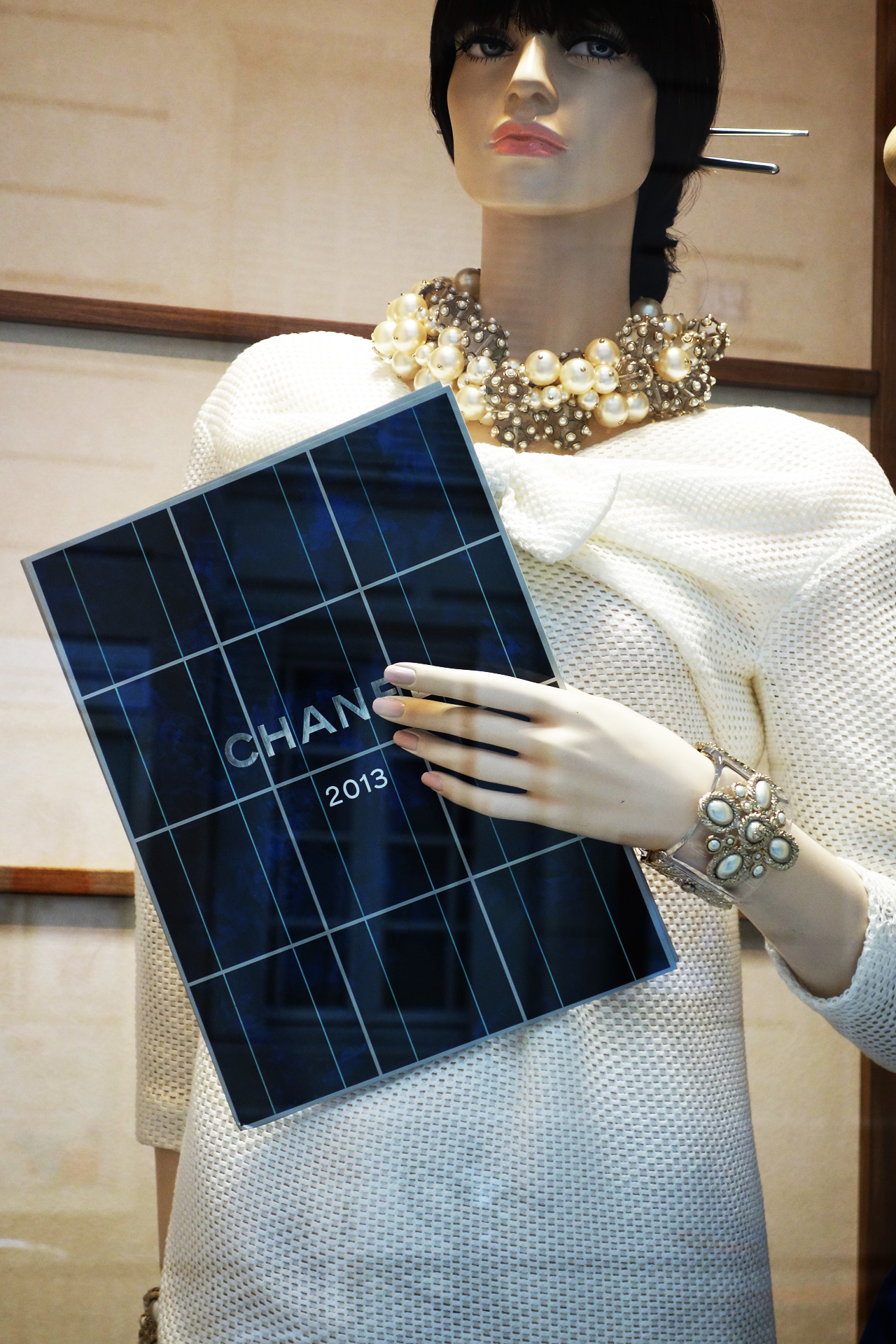 Chanel-vitrine-rue-Cambon-13