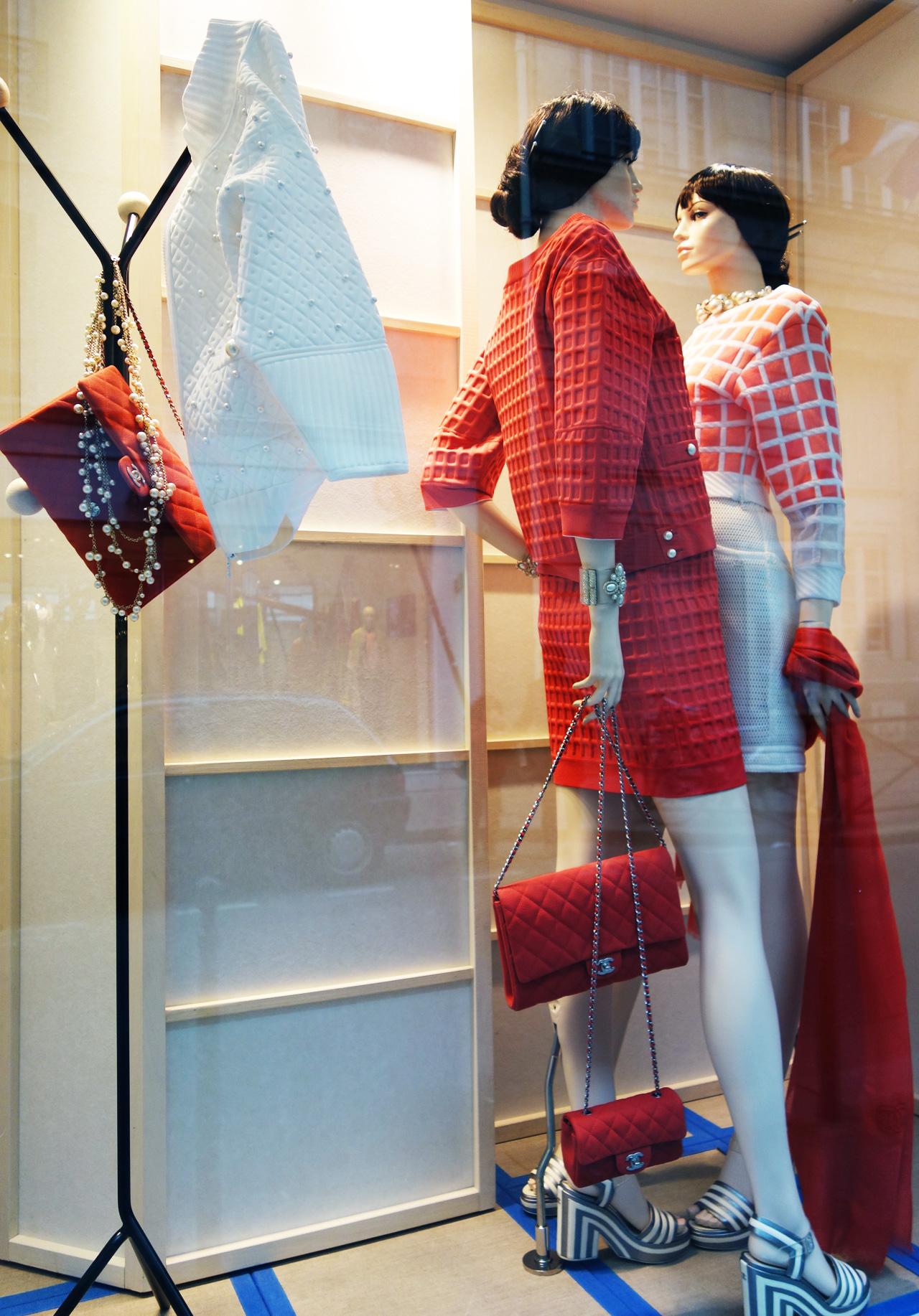 Chanel-vitrine-rue-Cambon-20