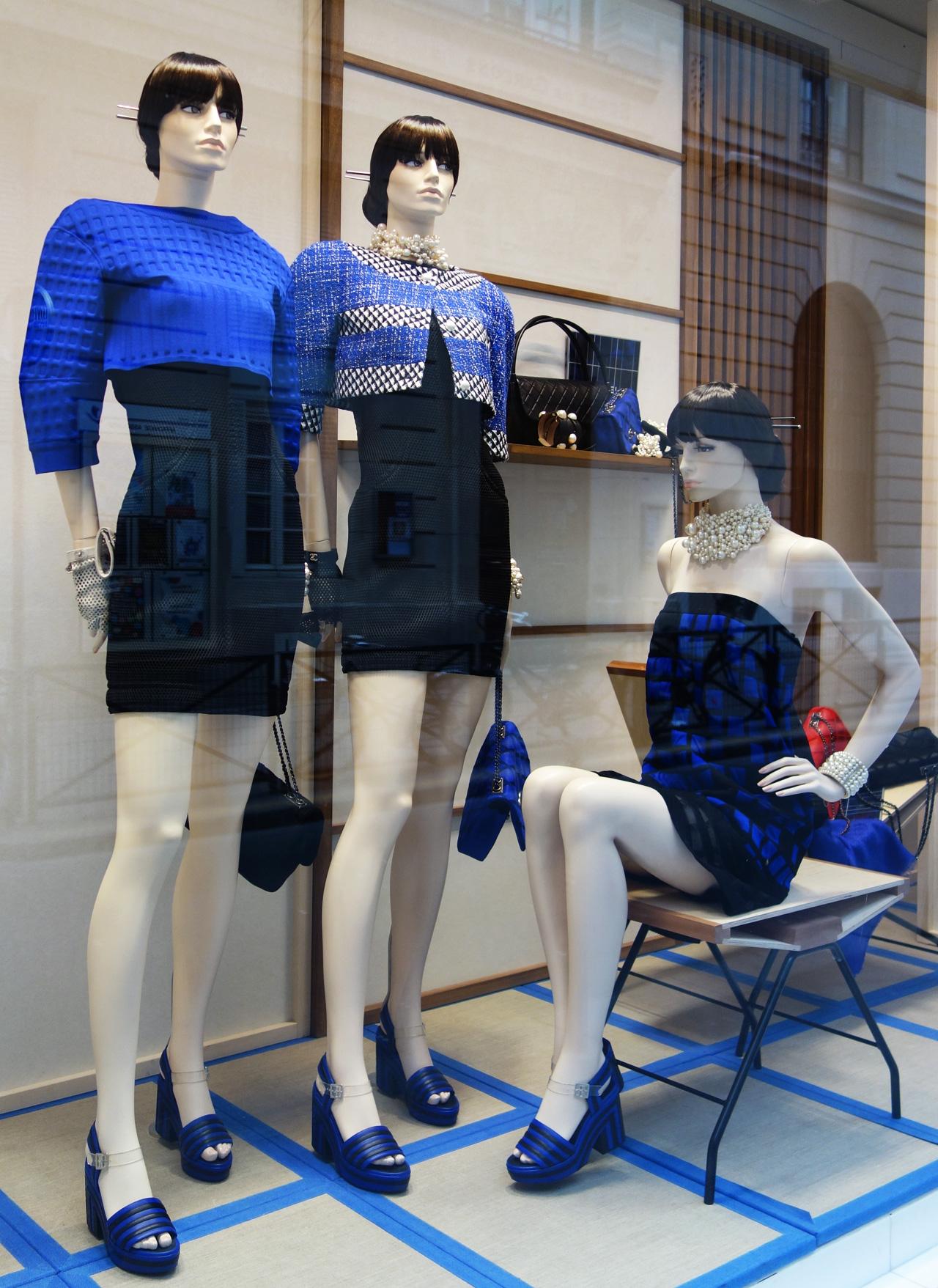 Chanel-vitrine-rue-Cambon-30