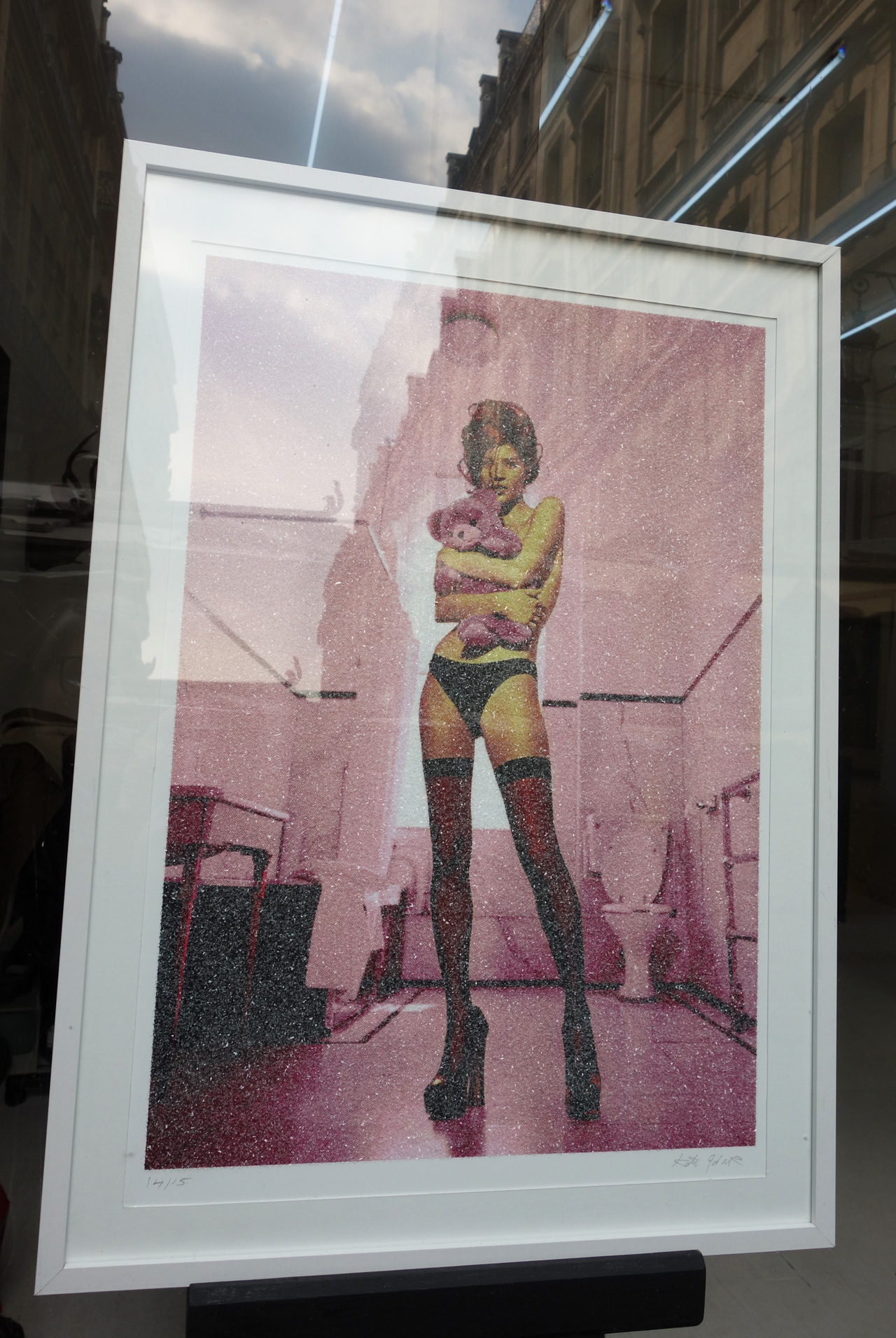 Galerie-13-Jeannette-Mariani-pink-girl-teddy-bear
