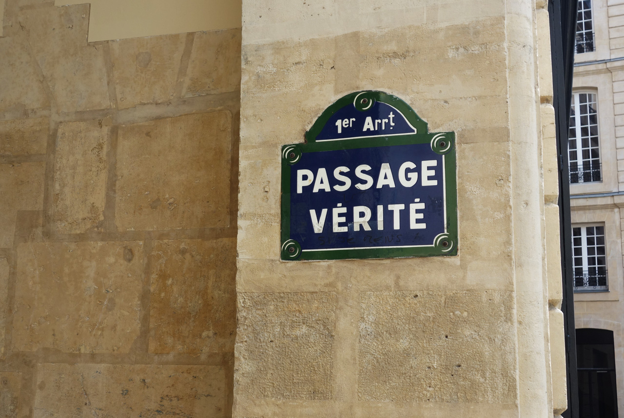 Paris-Passage-Verite