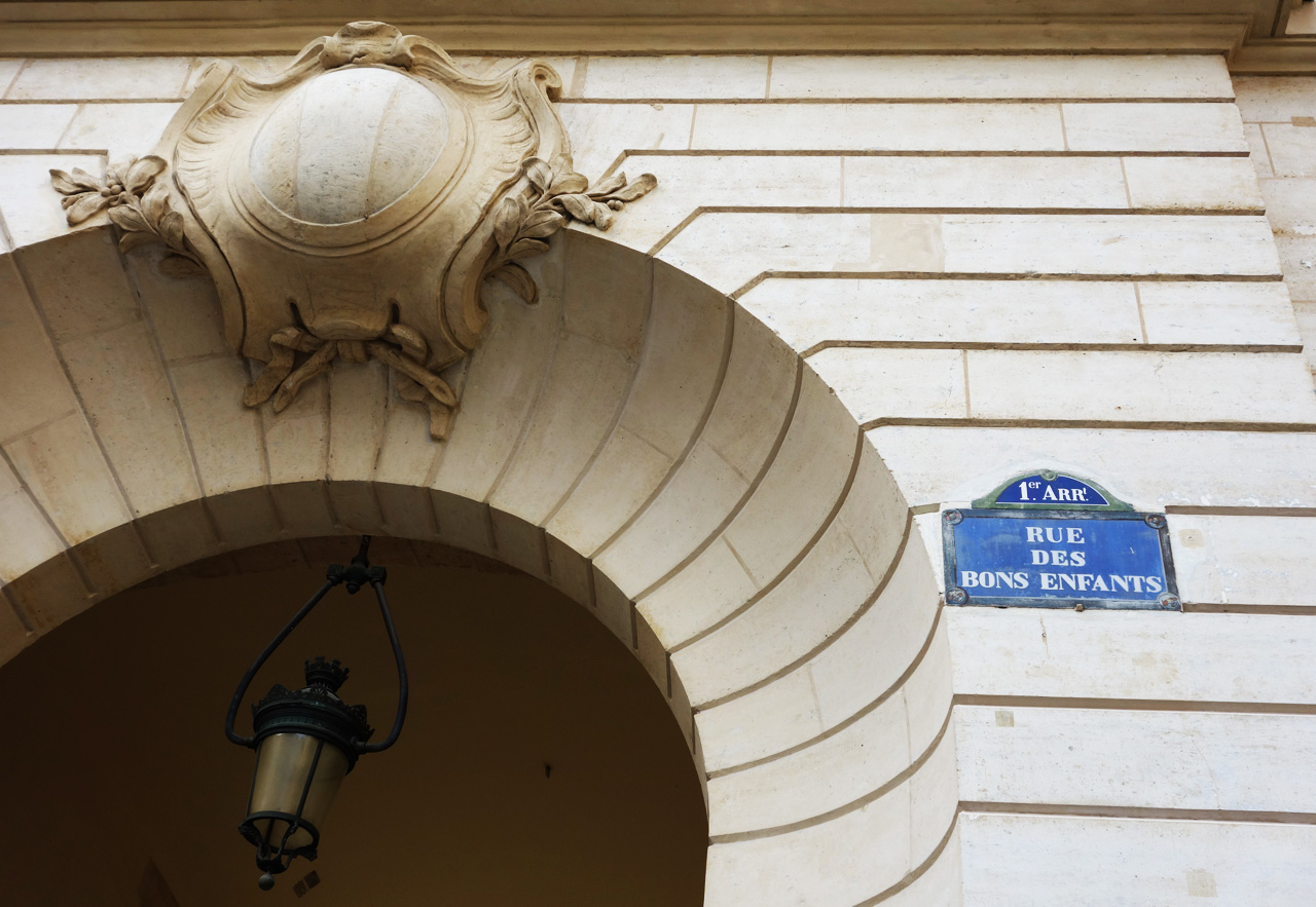 Paris-rue-des-Bons-Enfants