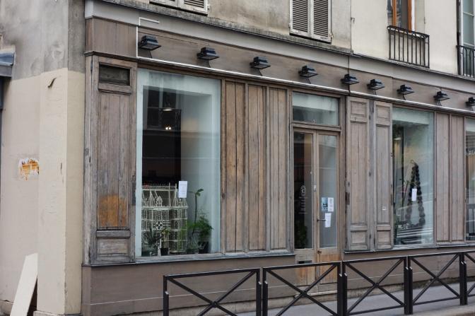 David-Gaillard-Les-Curieuses-boutique-facade-vitrine