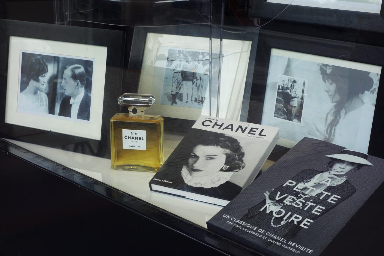 Galignani-vitrine-Coco-Chanel-01