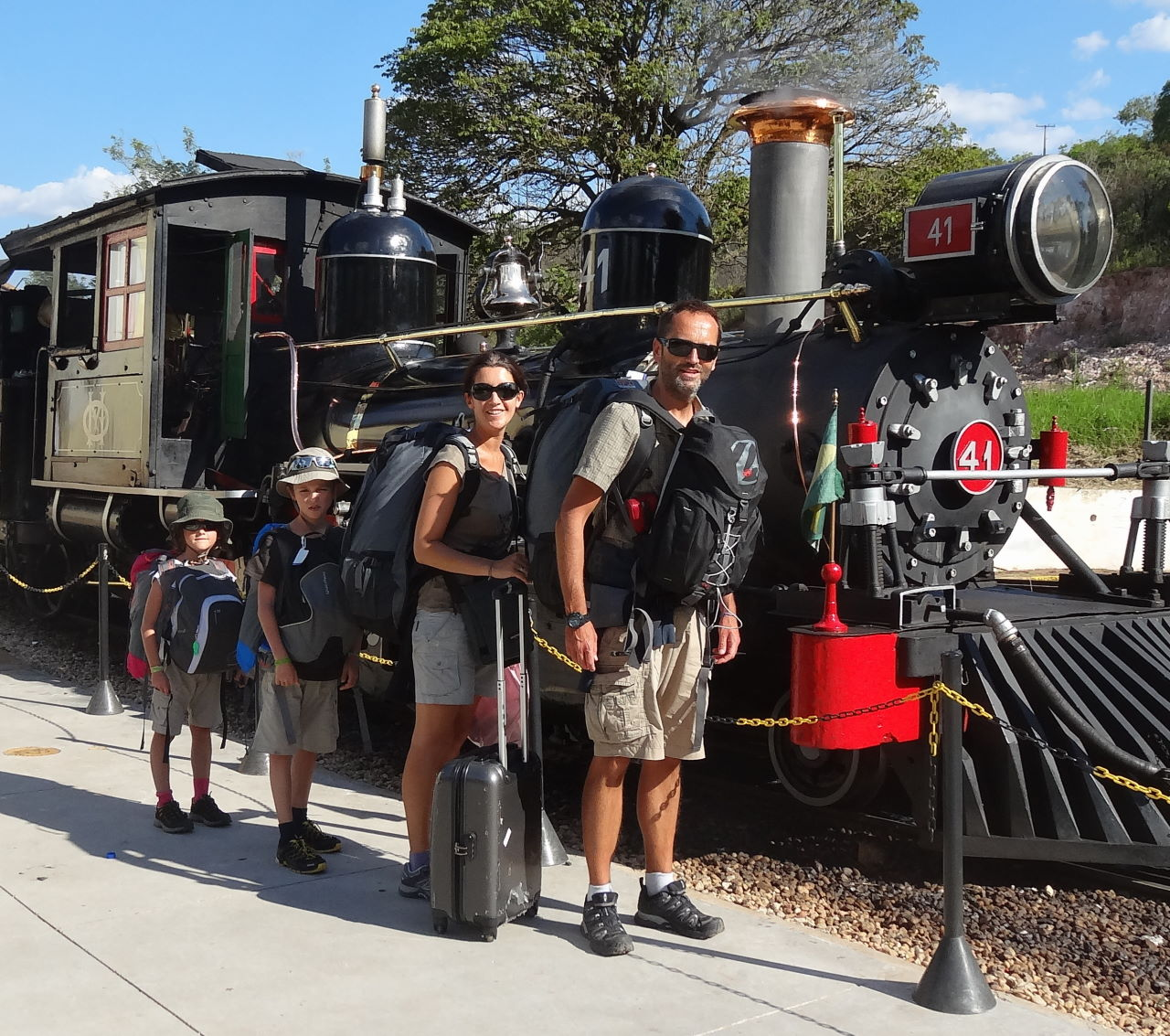 UFAO-famille-locomotive