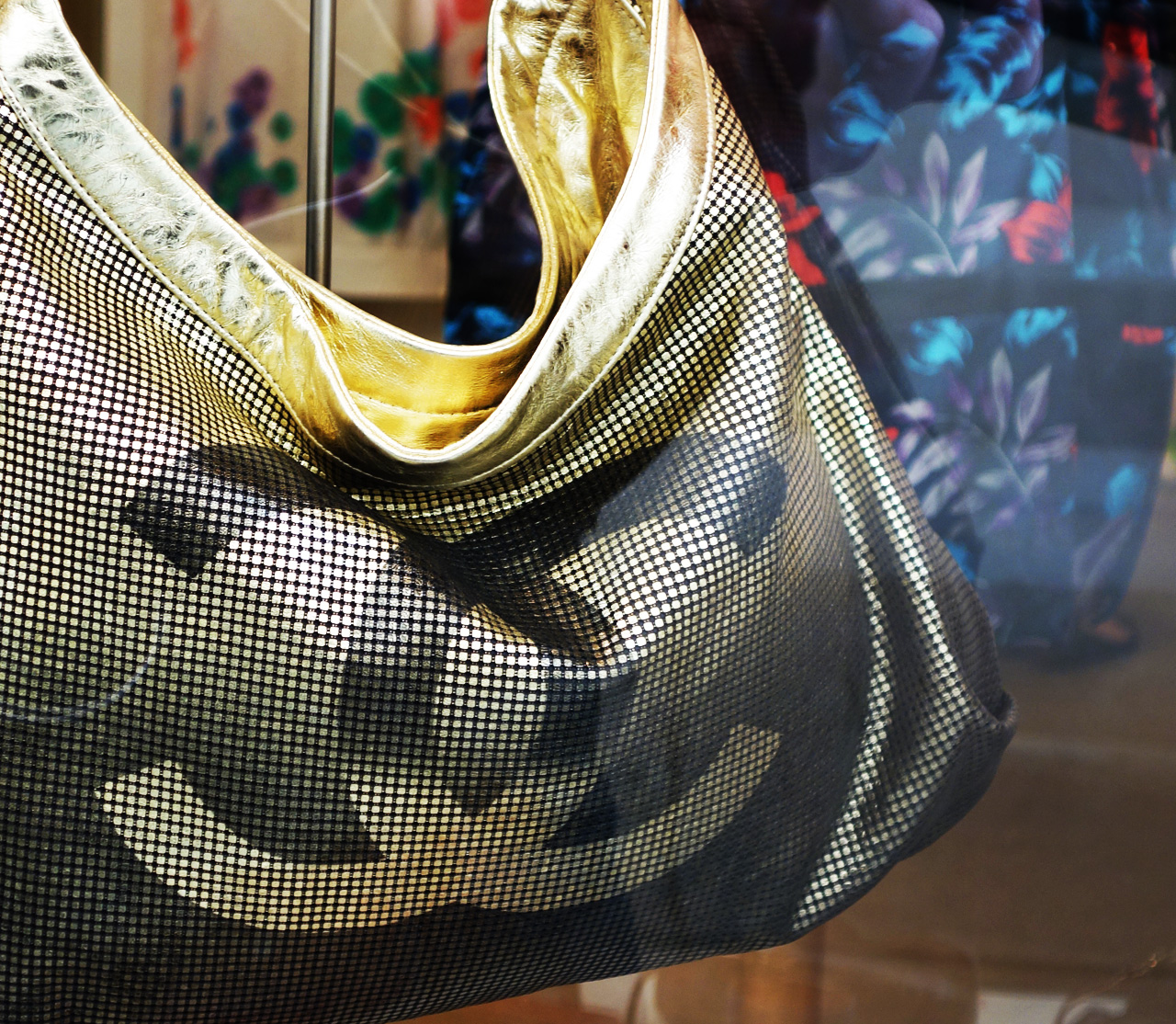 WK-vitrine-sac-or-Chanel