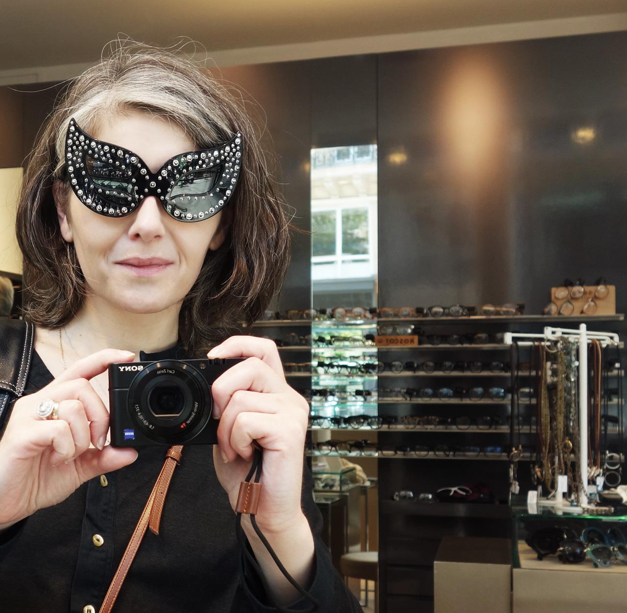 Linda-Farrow_Agent-provocateur_sunglasses-Catwoman-3