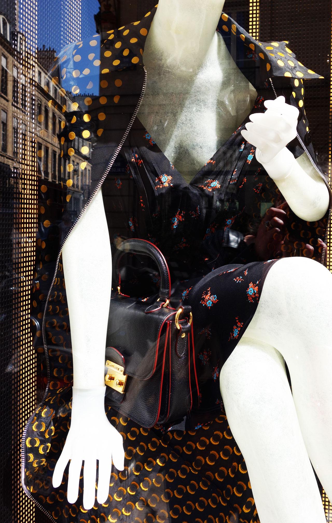 Miu Miu Paris vitrine