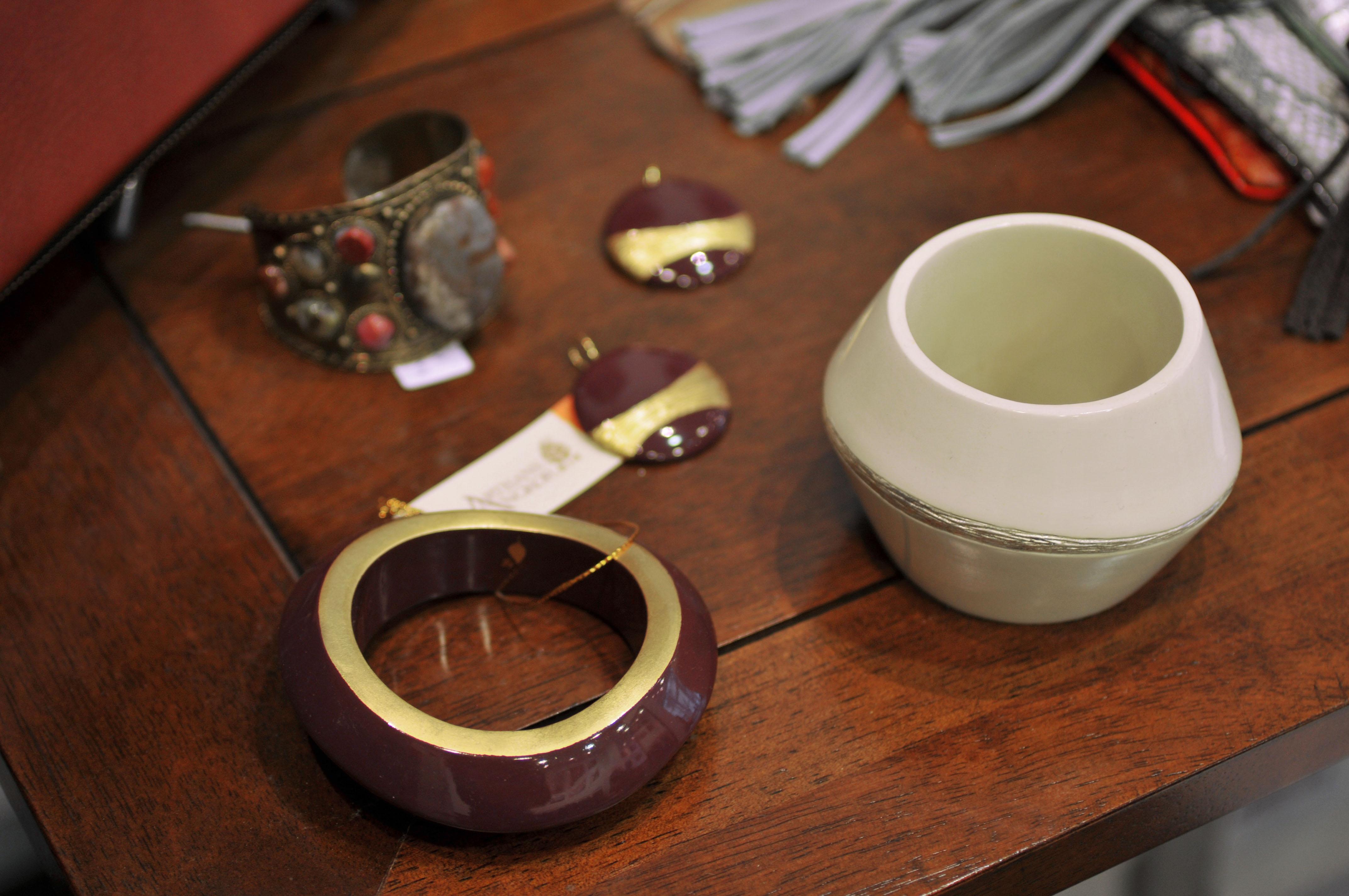 artisans_avantscene_bracelets