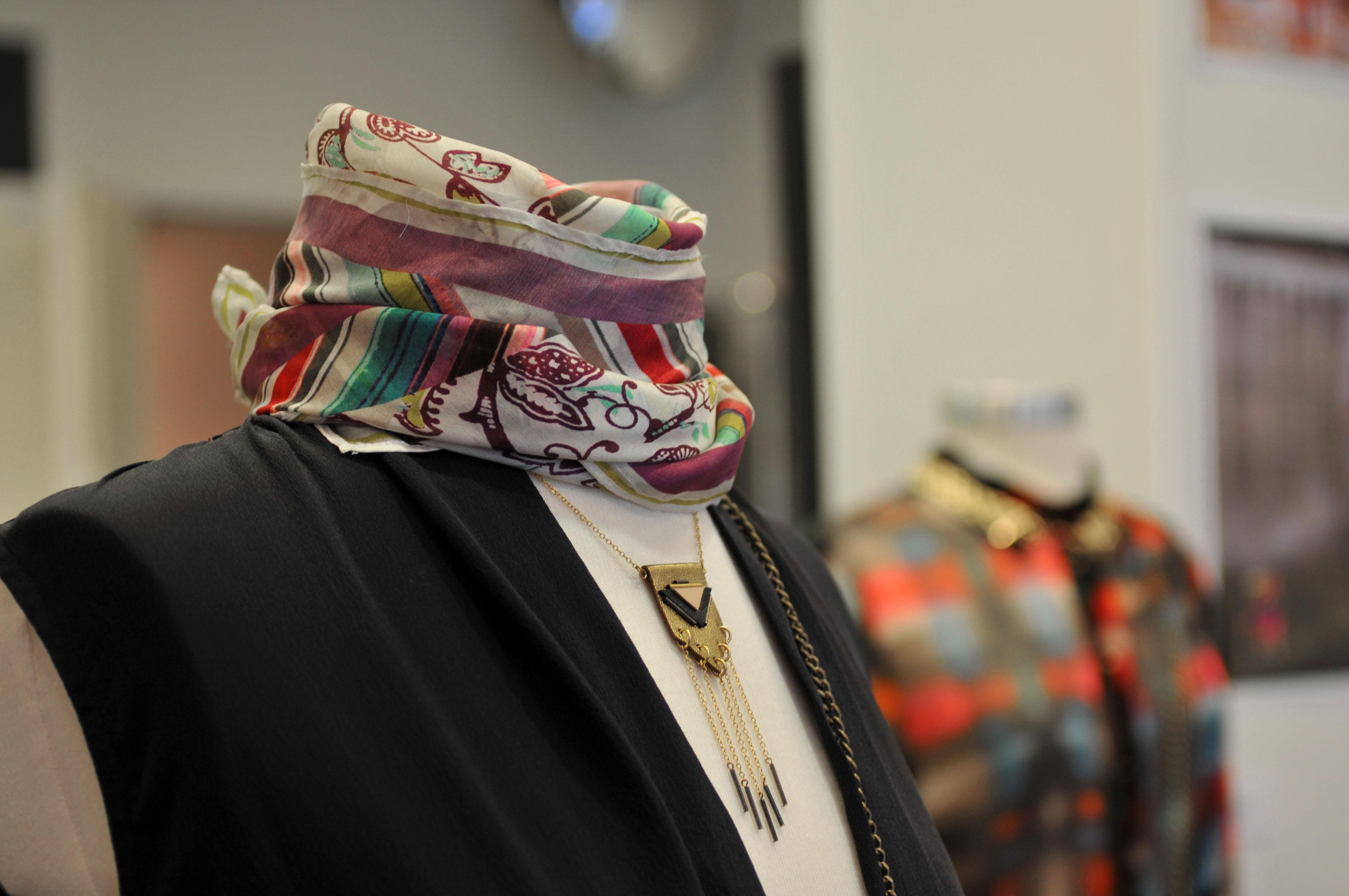artisans_avantscene_foulard