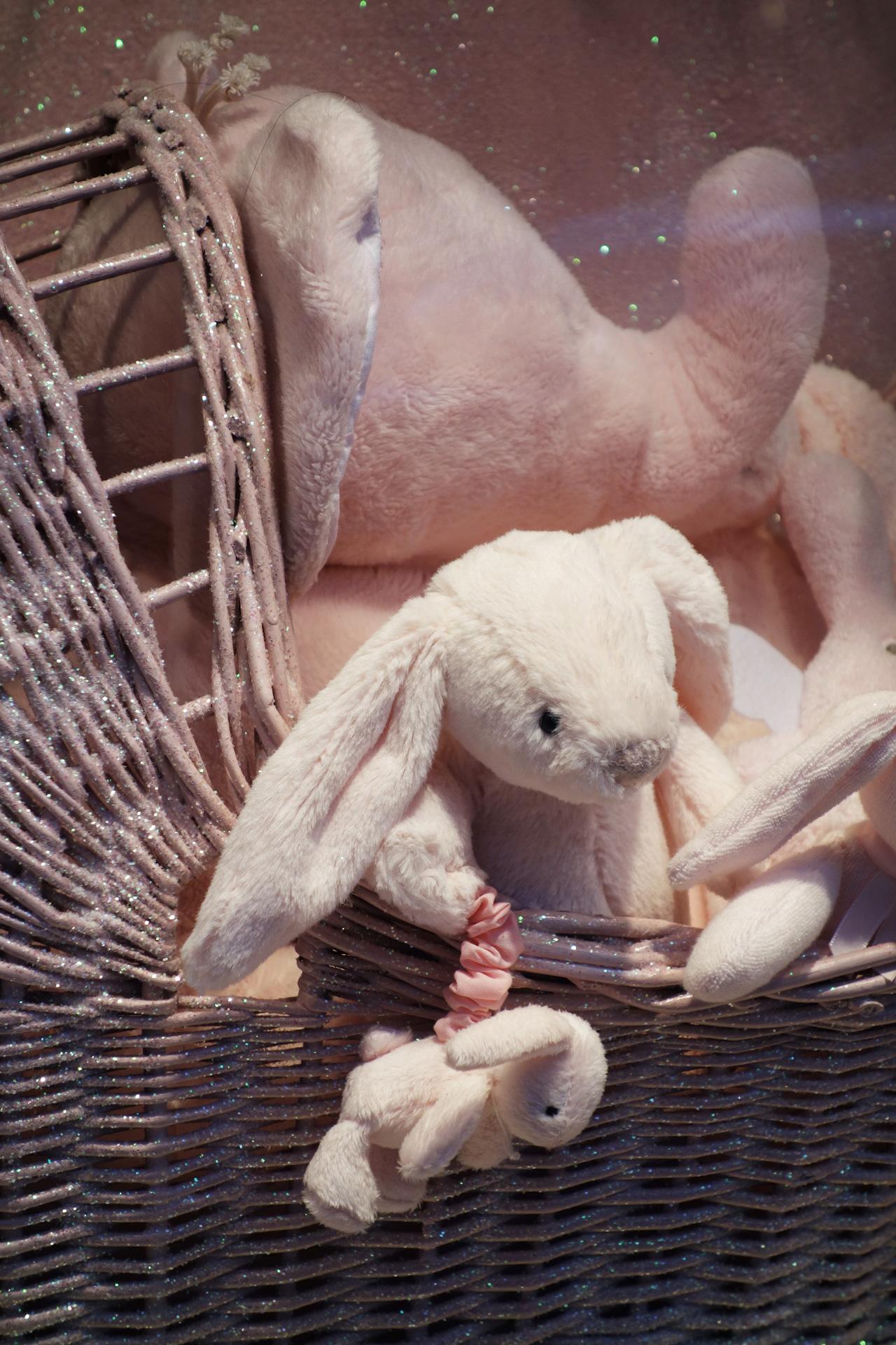 Baby-Tuileries-vitrines-noel-2013-rose-lapin-mini