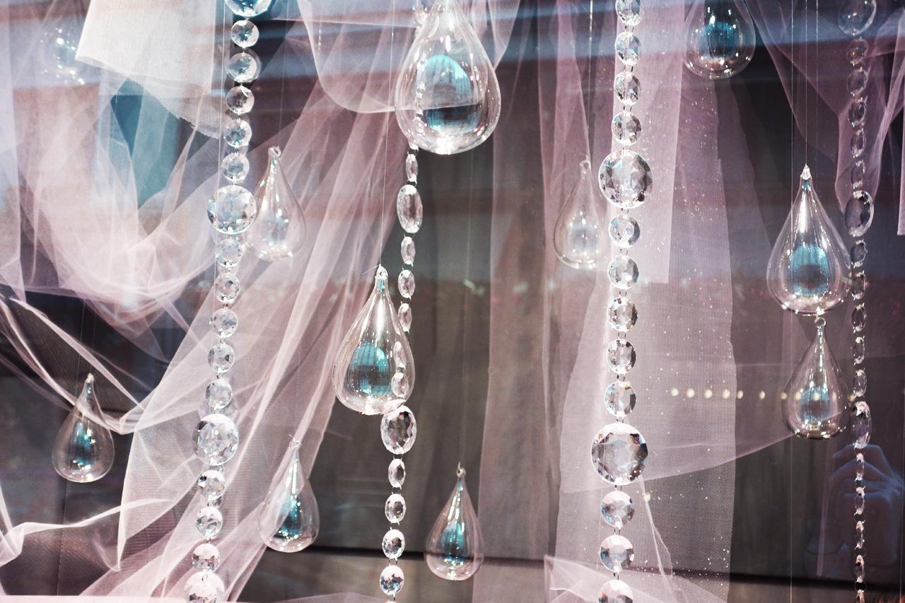Baby-Tuileries-vitrines-noel-2013-rose-pampilles