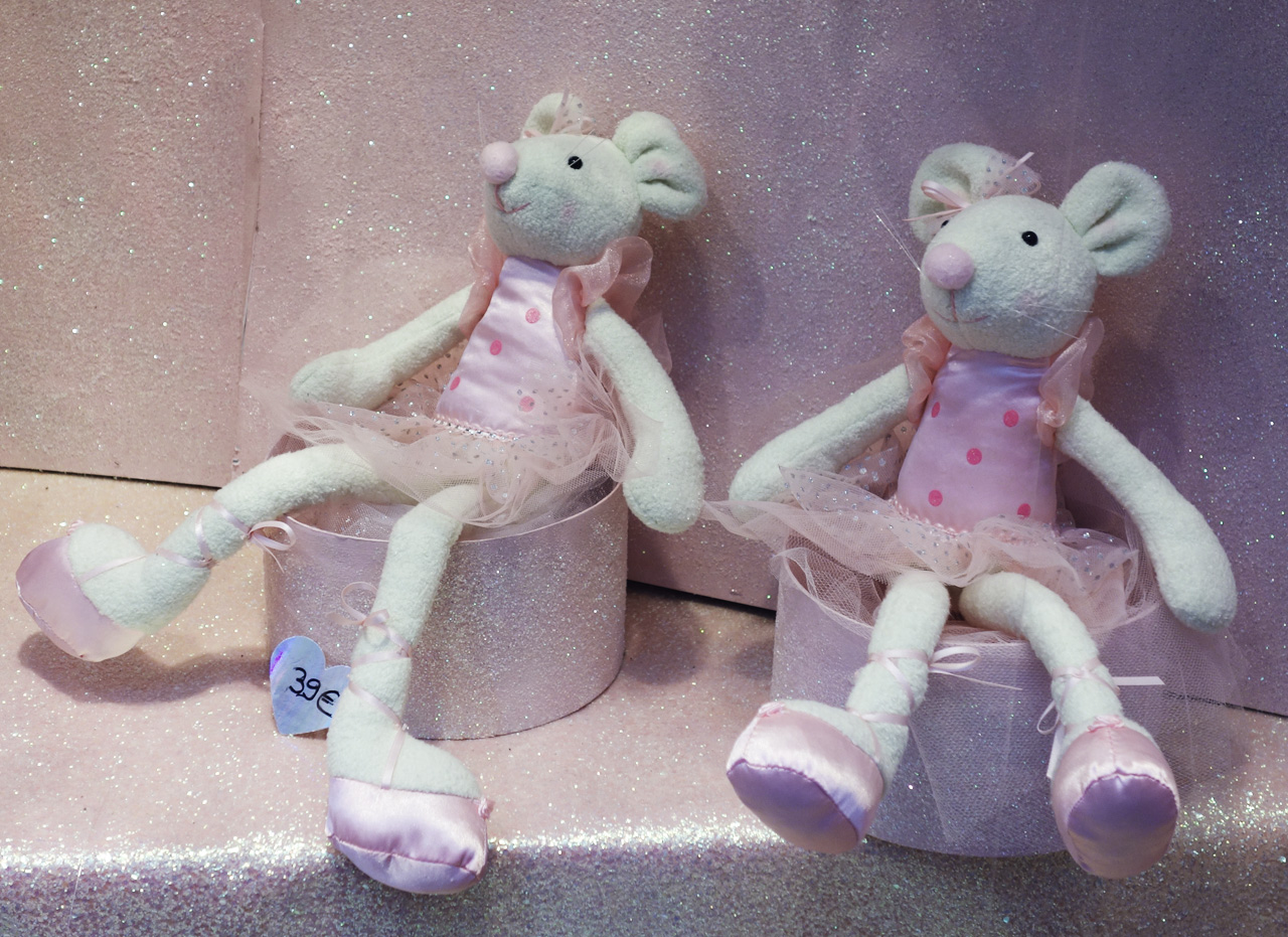 Baby-Tuileries-vitrines-noel-2013-rose-souris-ballerines