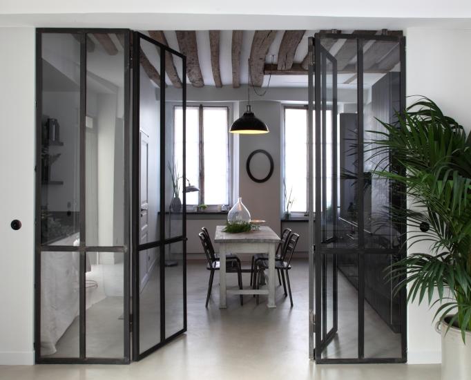 une verri re dans la cuisine chic geek. Black Bedroom Furniture Sets. Home Design Ideas