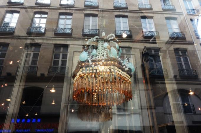 Astier-de-Villatte-Paris-vitrine-03